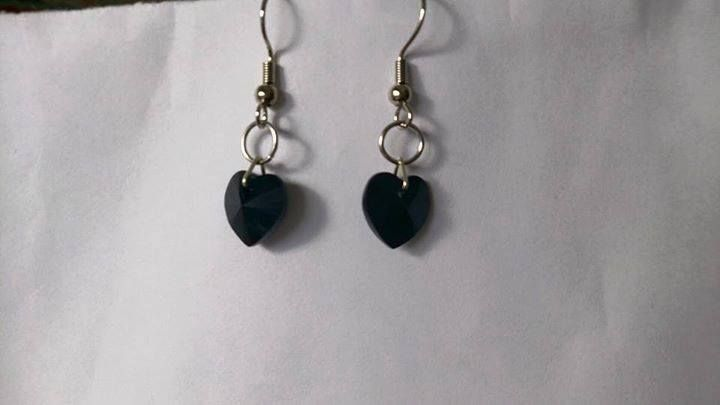 Black swarovski heart earrings