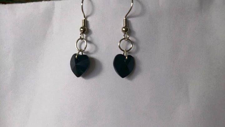 Black swarovski heart earrings