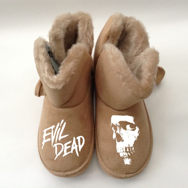 Scary gifts at DaWanda - EVIL DEAD -  SLIPPERS (WOMENS)  QUALITY FUR LINED LUXURY SLIPPER BOOT  SIZES UK : 3,4, 5,6,7,  High Quality Print : Great  Gift  MESSAGE ME WITH YOUR SIZE AND PERSONALISATION.  via en.dawanda.com