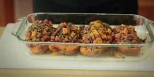 How Many Calories Are in One Baked Sweet Potato? | LIVESTRONG.COM