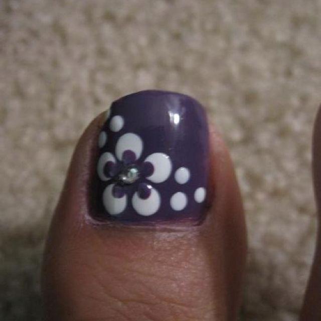 Cute purple and white toe nail polish nail art ideas diy nail designs