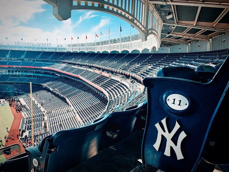 Pin by Funzybee on Pictures in 2020 Yankee stadium