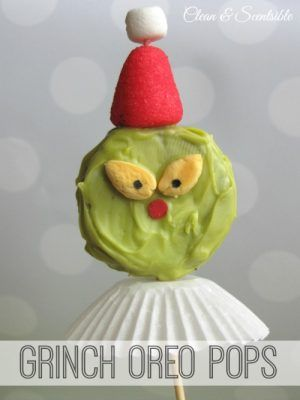 How cute are these grinch Oreo pops?