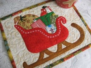 ready For Take off - Christmas Mug Rug Pattern: http://quilting.myfavoritecraft.org/christmas-quilting-patterns/