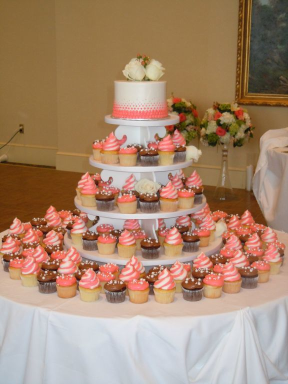 Bethel Bakery Wedding Cupcake Display
