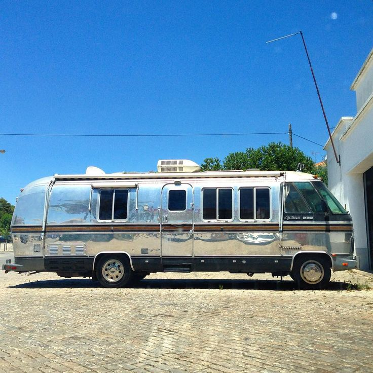 17 images about airstream motorbus on pinterest for Classic motor homes for sale