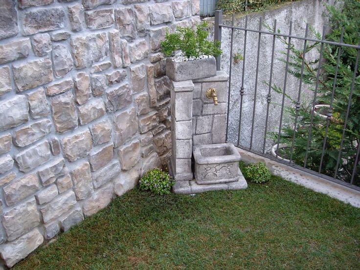 Pi di 25 fantastiche idee su fontane da giardino su for Giardino lecco