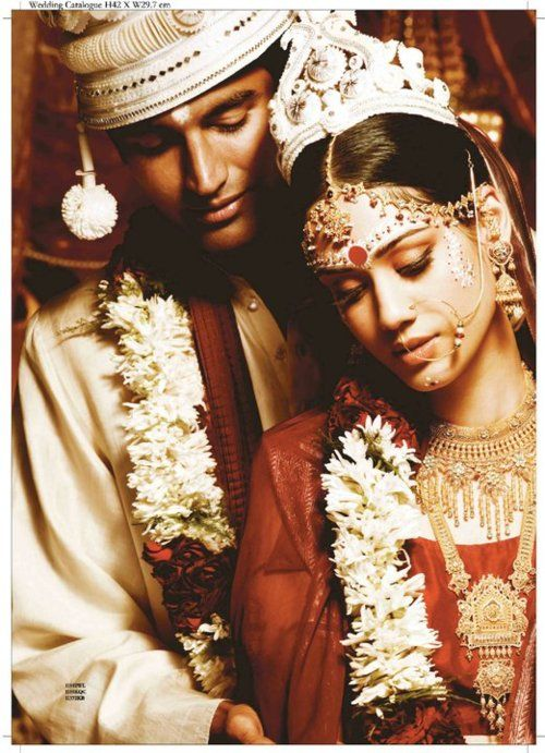Pose of Bengali Bride + Groom
