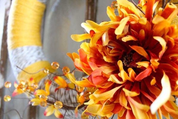 Nice fall yarn wreath...with no felt flowers...