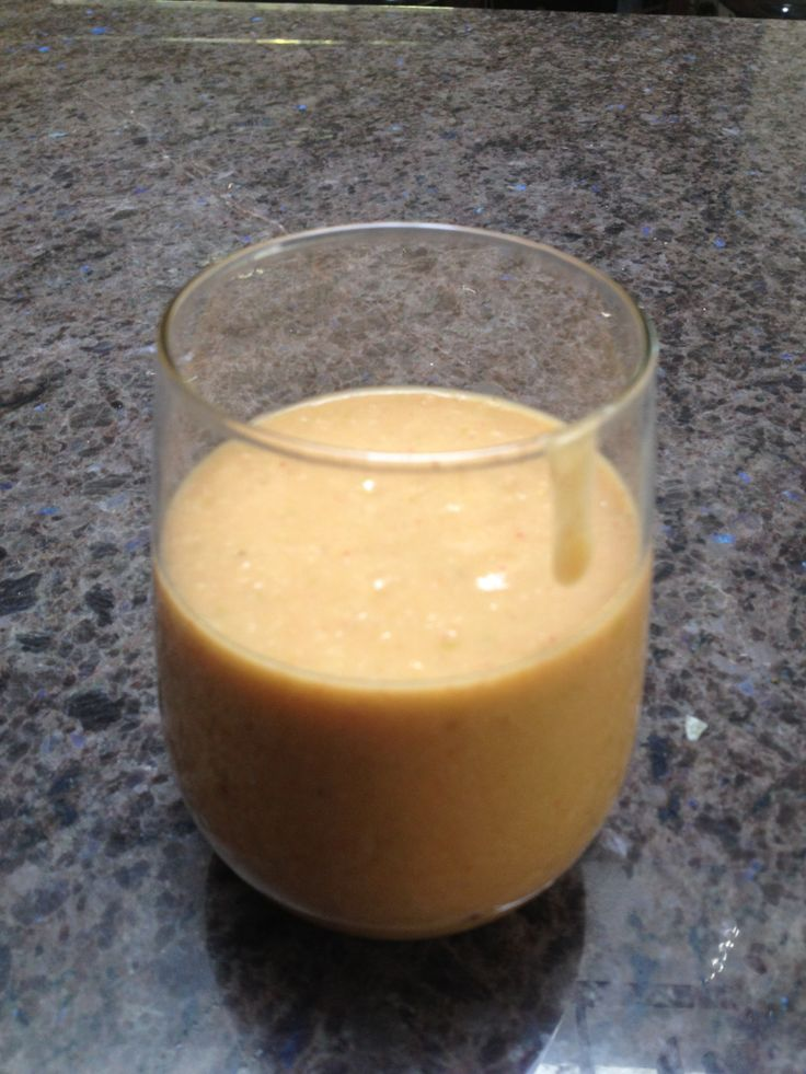 Scott Jurek's Strawburst Anti-Inflammatory Smoothie - http://freeradical.me/2013/06/13/scott-jureks-strawburst-anti-inflammatory-smoothie/