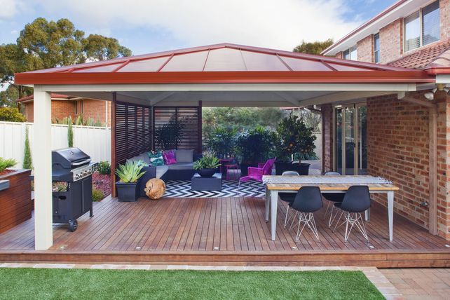 Outdoor living design with Shademaster single-skin roofing pannels #home #entertainment #bbq