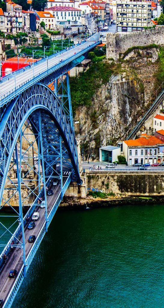El famoso puente metálico Dom Luis, en Oporto.