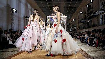 fashion show alexander mcqueen - YouTube