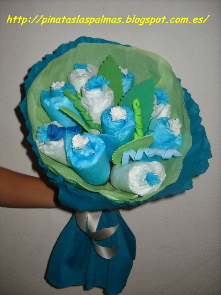 PIÑATAS  LAS PALMAS: Ramo de flores hecho con pañales y calcetines