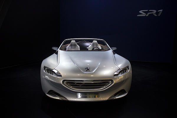 SR 1 Peugeot silver.