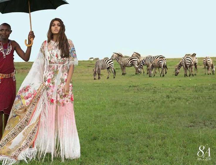 Sana Safinaz Lawn Collection 2018 Most famous and much awaited collectionSana Safinaz lawn 2018 to giving youexceptionallook this summer 2018.Sana Safinaz is leading women clothing brand name in Pakistan or also introducing dramatic attire for each season. So this year you look very different and impressive collection with introduce new elements to #sanasafinaz #sanasafinazlawn #pakistanidresses #pakistanifashion #designerlawn #summerstyle