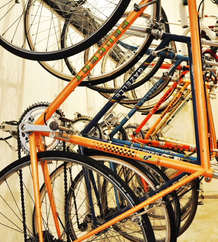 Vintage Racefietsen in de winkel van Vossi.nl o.a. met Peugeot, Gazelle en Koga Miyata