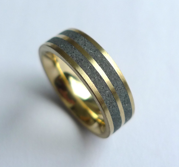 18k gold and tinted concrete ring by Konzuk