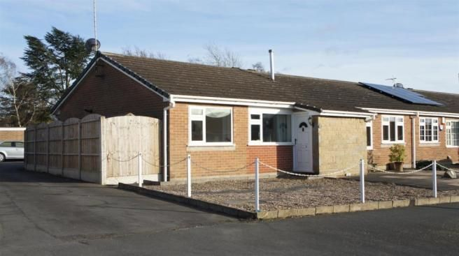 1 bedroom semi-detached bungalow for sale - Chitterman Way, Markfield Full description           Within this highly desirable and thriving village comes offered for sale this one bedroom bungalow. Immaculately presented this lovely property offers Entrance porch, Living room, Kitchen, Summer room, Bedroom and Shower room. There are attractive low maintenance front... #coalville #property https://coalvilleproperties.com/property/1-bedroom-semi-detached-bungalow-for-sale-chi