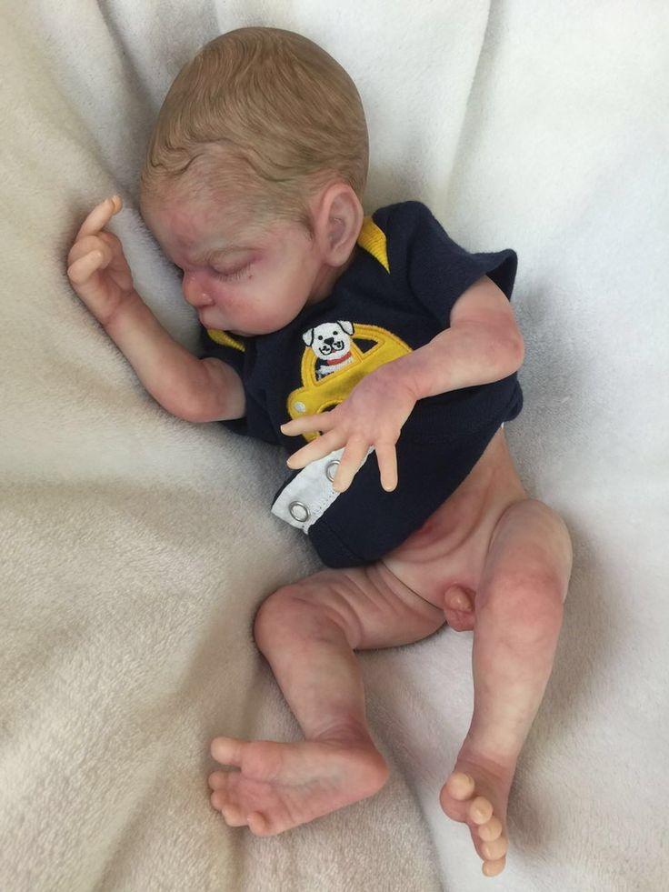Max tem corpo anatomicamente correto,pernas,braços articulados,a cabeça gira,  Enxoval para meninos 3D    CHUPETA  ROUPINHA  FRALDA  COLÔNIA DE BEBE  CERTIFICADO NASCIMENTO LITTLE ANGELS  GUIA DE USO