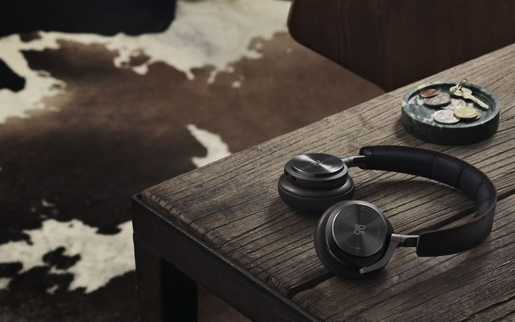 Premium, light-weight, wireless, active noise cancelling on-ear headphone. BeoPlay H8