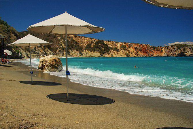 Η παραλία Πηλός στο Ίστρον Αγίου Νικολάου με τα κρυστάλλινα νερά