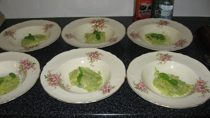 Retro tallerkner brugt i otte retters menu