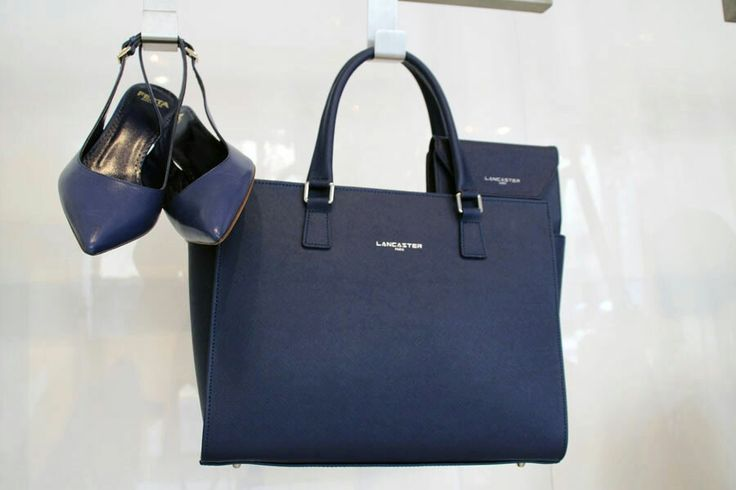 Blu #lancaster e #robertofesta.  #shoes  #bag #fashion #woman #accessories #leaboutique #milano