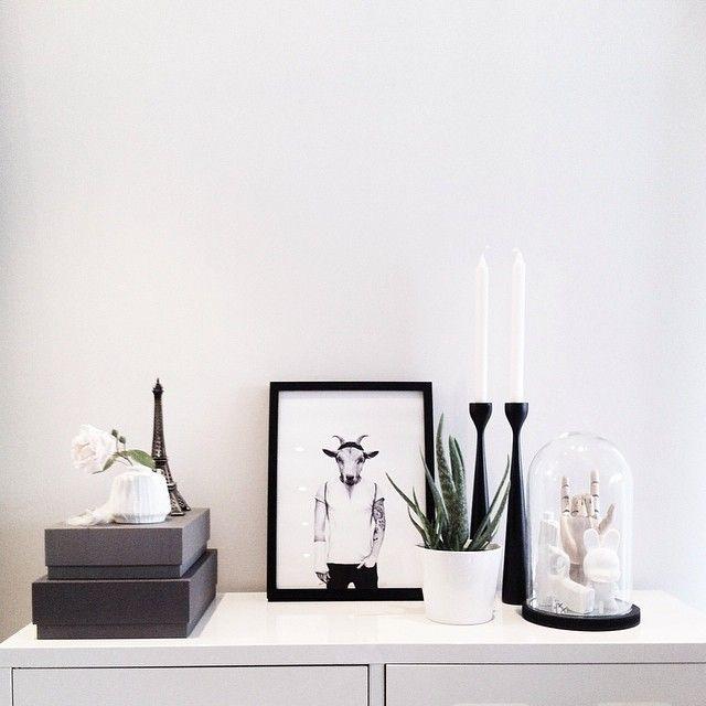 Wonderful stilleben. Black silhouette Rolf™ candlesticks by Maria Lovisa Dahlberg FREEMOVER.se. Photo: Lenet71