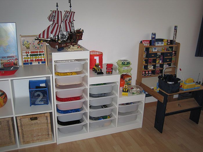 Lego nach farben kinderzimmer r pinterest tops for Kinderzimmer organizer