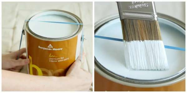 Enrouler un élastique autour de la boite de peinture pour enlever l'excès de peinture du pinceau