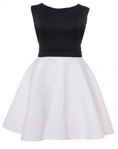 Sukienka z pianki z koła