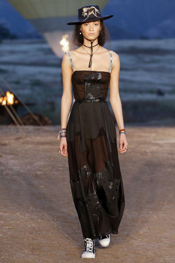 Christian Dior Resort 2018 Collection Photos - Vogue