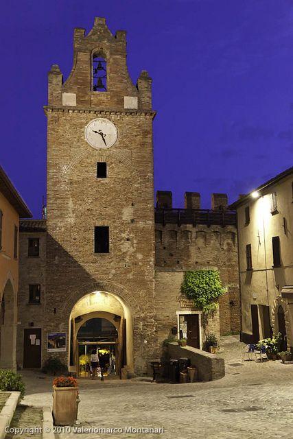 Torre con orologio, Gradara, Marche, Italy
