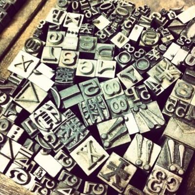 数字・記号・アルファベット #typography   (viaManiackers Design)