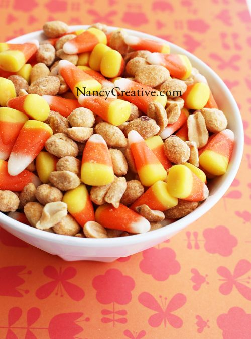 Candy Corn Payday Mix - I've had this and it's ssoooo good!!!