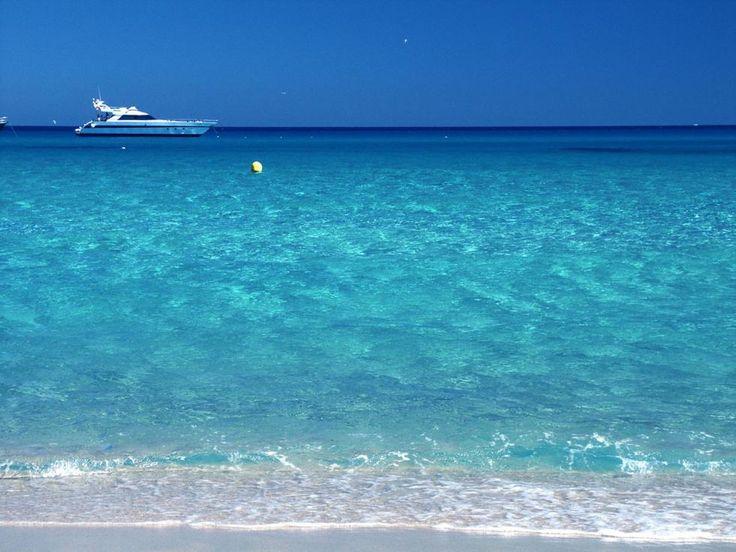 Spiagge da sogno a Saint-Tropez #ViaggiFrancia #ViaggiLitorale #MareFrancia #RDVFrance #Rendezvousenfrance #ViaggiSaintTropez #SaintTropez