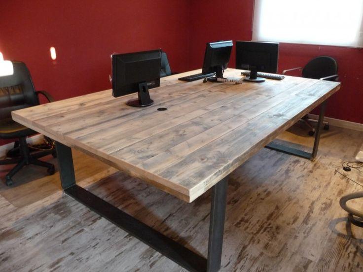 mesa de oficina , con patas de hierro, 2.50 x 1.50 € 925,-