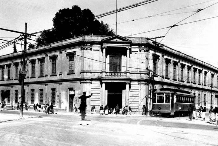 La Escuela Secundaria número 4, Moisés Sáenz, que desde 1927 se encuentra en la esquina de Ribera de San Cosme y la antigua calle de Ciprés