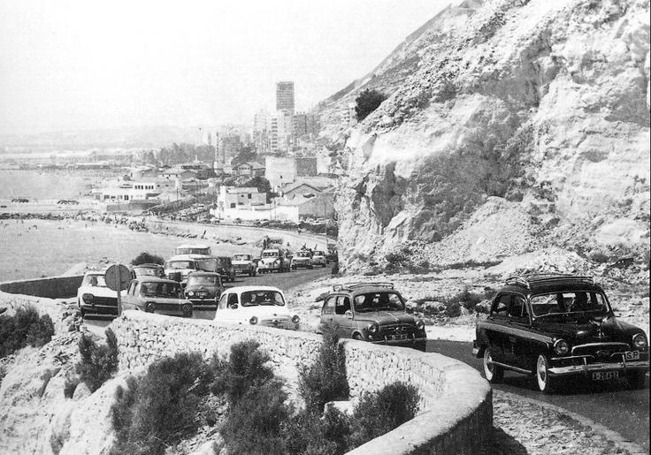 El nostre Alacant d'antany En los años 60 y principios de los 70, circular por la carretera de la cantera era así de peligroso. Foto subida por Luis Amat. — con Ricardo Urios Pastor.