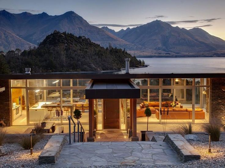 A spectacular lakeside home in Queenstown, New Zealand.