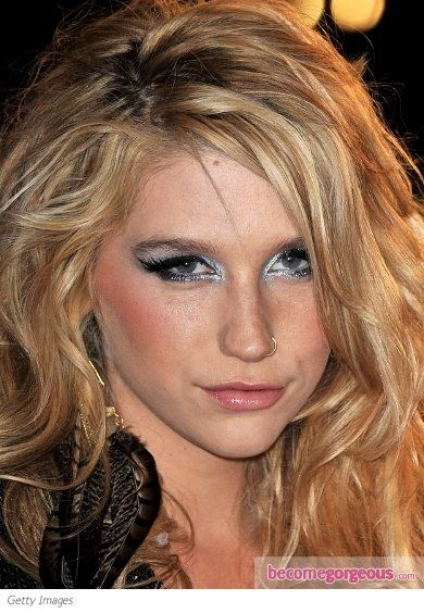 kesha edgy silver eye makeup