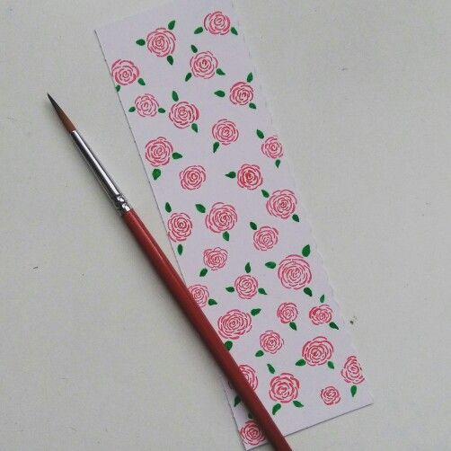 This bookmark turned out pretty well. Painted roses looks beautiful