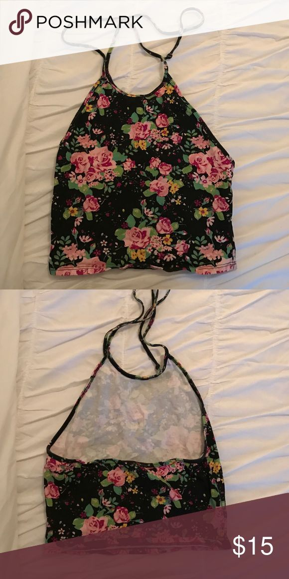 Urban outfitters halter crop top Halter crop top / worn once! / urban outfitters ☀️☀️☀️ perfect for spring or summer, and Festival season at Coachella & Stagecoach! Urban Outfitters Tops Crop Tops