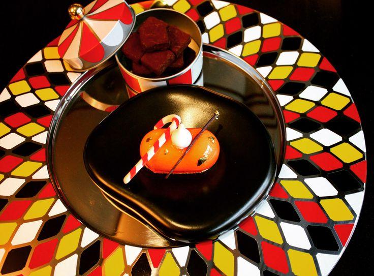 9 best circus at l 39 h tel du collectionneur images on pinterest safran restaurant airplanes. Black Bedroom Furniture Sets. Home Design Ideas