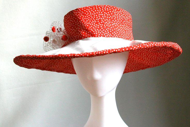 Summer hat by Ozmonda