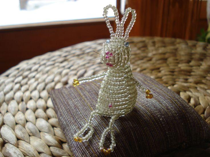 http://www.etsy.com/shop/BeautyBeadwork?ref=search_shop_redirect Little white rabbit. Az én fehér nyulacskám.