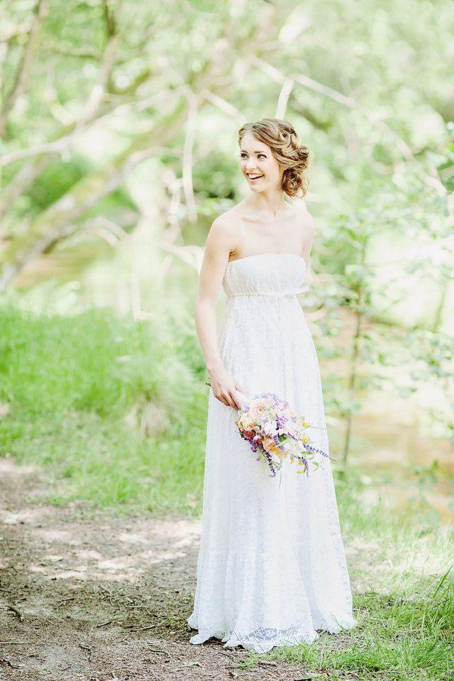 #bruid #bruidsmakeup #make #up #look #trouwjurk #bruidsjurk #strapless #inspiratie #bride #inspiration #wedding #dress | Photography: RuudC Fotografie | ThePerfectWedding.nl