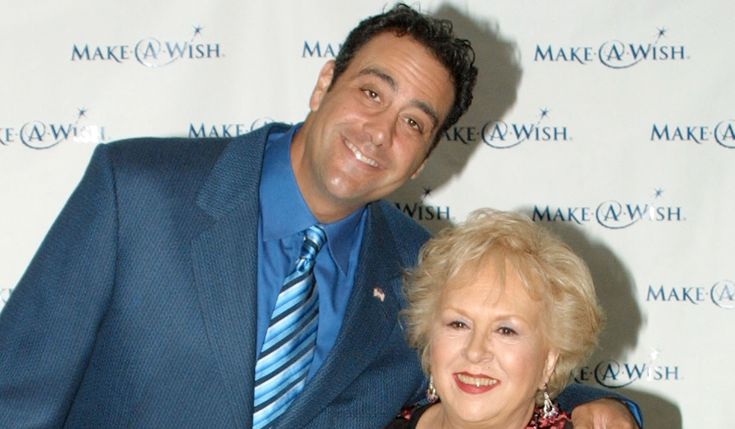 Brad Garrett Reacts to 'Everybody Loves Raymond' Mom Doris Roberts' Death