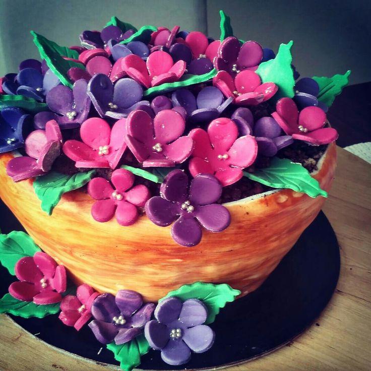 Flowet pot cake #flowers #cake  #flowercake #fondantflower